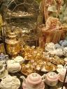 Музей уникальных кукол. Фарфоровая кукольная посуда. Фото Вадима Шемарова